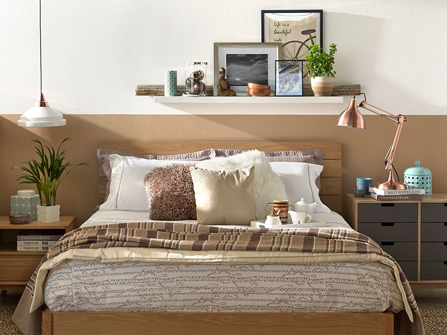 6 ideas para iluminar tu dormitorio de forma no tan for Decoracion de techos de recamaras